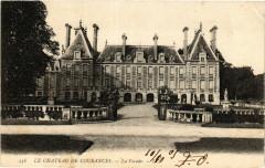 Courances - Le Chateau de Courances - La Facade - Courances