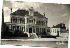 Milly La Foret-La mairie - Milly-la-Forêt