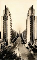 Villeurbanne - Lyon - Avenue Henri-Barbusse et l'Hotel de Ville 69 Villeurbanne