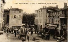 Vaugneray - La Place un jour de Marché 69 Vaugneray