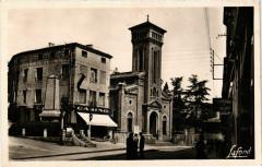 Roche-la-Moliere - La Place et l'Eglise France - Roche-la-Molière