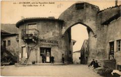 Le Crozet pres La Pacaudiere - Une vieille Porte - Le Crozet