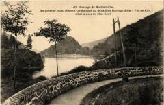 Barrage de Rochetaillee - Au premier plan chemin conduisant au .. 42 Roche