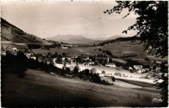 Prelenfrey-du-Gua - Vue Generale - Montagnes du Taillefer France - Montagne