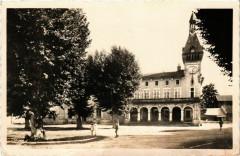 Tullins - Hotel de Ville et la Poste France - Tullins