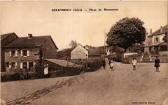 Soleymieu - Place du Monument - Soleymieu