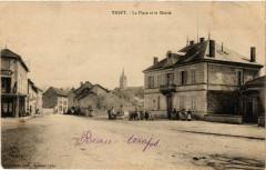 Trept - La Place et la Mairie - Trept