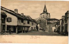 La Place et l'Eglise - Saint-Savin - Saint-Savin