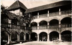 Clermont Galeries du Chateau - Clermont