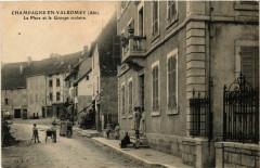 Champagne-en-Valromey La Place et le Groupe Scolaire - Champagne-en-Valromey
