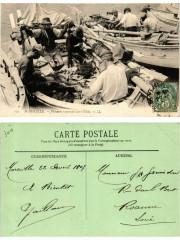 117 Marseille - Pecheurs reprant leurs Filets 13 Marseille