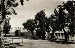 Simiane Collongue Place des Fetes et Ecole - Simiane-Collongue