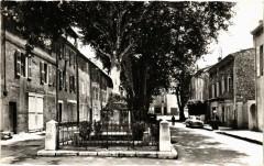 Auriol Monument aux Morts et Cours de Verdun - Auriol