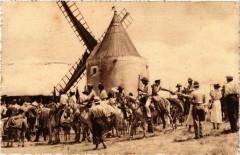 Fontvieille-En-Provence - Gardians Provencales au Moulin - Fontvieille
