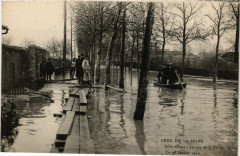 Crue de la Seine -Saint-Denis - La rue de la Briche -Le 28 Janvier 93 Saint-Denis