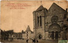 L'Eglise et la Place - Longpont-sur-Orge