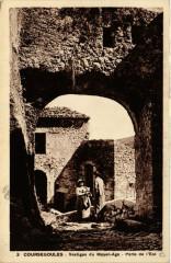 Coursegoules - Vestiges du Moyen-Age - Porte de l'Est - Coursegoules