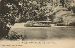 Fontaine-De-Vaucluse Le Lac - Le Bateau - Fontaine-de-Vaucluse