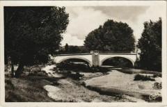 Pertuis Le Pont sur l'Eze - Pertuis