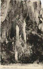Le Thor Grotte de Thouzon - Le Mausolee - Le Thor