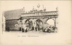 Sizun - L'Arc de Triomphe - Sizun