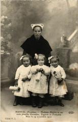 Hanvec - Madame Marhic et ses Trois Jumelles Germaine - Hanvec
