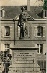Le Faou - Statue de l'Agriculture - Le Faou