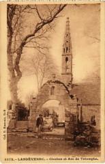 Landevennec - Clocher et Arc de Triomphe - Landévennec