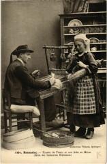 Bannalec- Tisseur de Ramis et son Aide au Metier France - Bannalec