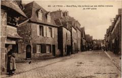 Le Faou - Grand Rue - tres curieuse par ses vieilles maisons - Le Faou