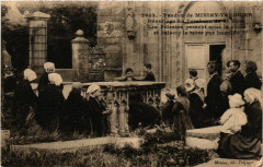 Minihy-Treguier - Pardon - Devotions au Tombeau de St-Yves - Minihy-Tréguier