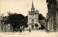 Lezardrieux - Lézardrieux - La Place et Eglise - Lézardrieux