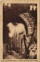Le Faouet Arche de la Chapelle Sainte-Barbe - Le Saint