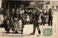 L'Heure de la soupe a la porte de l'Abbaye de Langonnet - Etude... - Langonnet