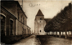 Nancray-sur-Rimarde - Place de l'Ecole et Eglise - Nancray-sur-Rimarde