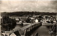 La Haye-Descartes Le Pont, la Creuse et Buxeuil - Descartes