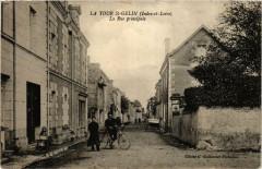 La Tour Saint-Gelin La Rue principale - La Tour-Saint-Gelin