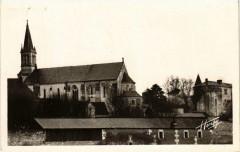 Sainte-Maure-de-Touraine Vue d'ensemble du Chateau et de Eglise - Sainte-Maure-de-Touraine