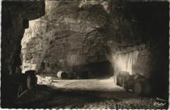 Bourgueil Intérieur des Caves de Chevrette - Bourgueil