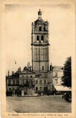 Loches - Tour St-Antoine et statue d'Alfred - Loches
