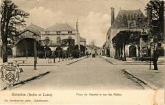 Richelieu (Indre et Loire) - Place du Marché et rue des Halles 37 Richelieu