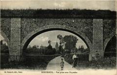 Montreuil - Vue prise sous l'Aqueduc - Montreuil