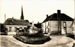 Fontaine les Ribouts - Place du Monument - Fontaine-les-Ribouts