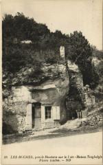 Montoire-sur-le-Loir - Maison Troglodyte Pierre tombée - Montoire-sur-le-Loir
