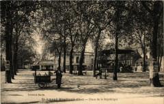 Saint-Amand-Montrond - Place de la Republique - Saint-Amand-Montrond
