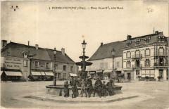 Henrichemont Place Henri IV, coté Nord - Henrichemont