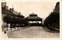 Dun-sur-Auron La Halle et Place du Marche - Dun-sur-Auron