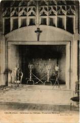 Culan Intérieur du Chateau Cheminée Gothique 18 Culan