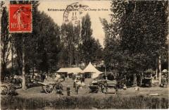 Brinon-sur-Sauldre Le Champ de Foire - Brinon-sur-Sauldre