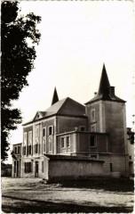 Ecole d'Agriculture Saint-Joseph le Breuil sur Couze - Le Chateau - Le Breuil-sur-Couze